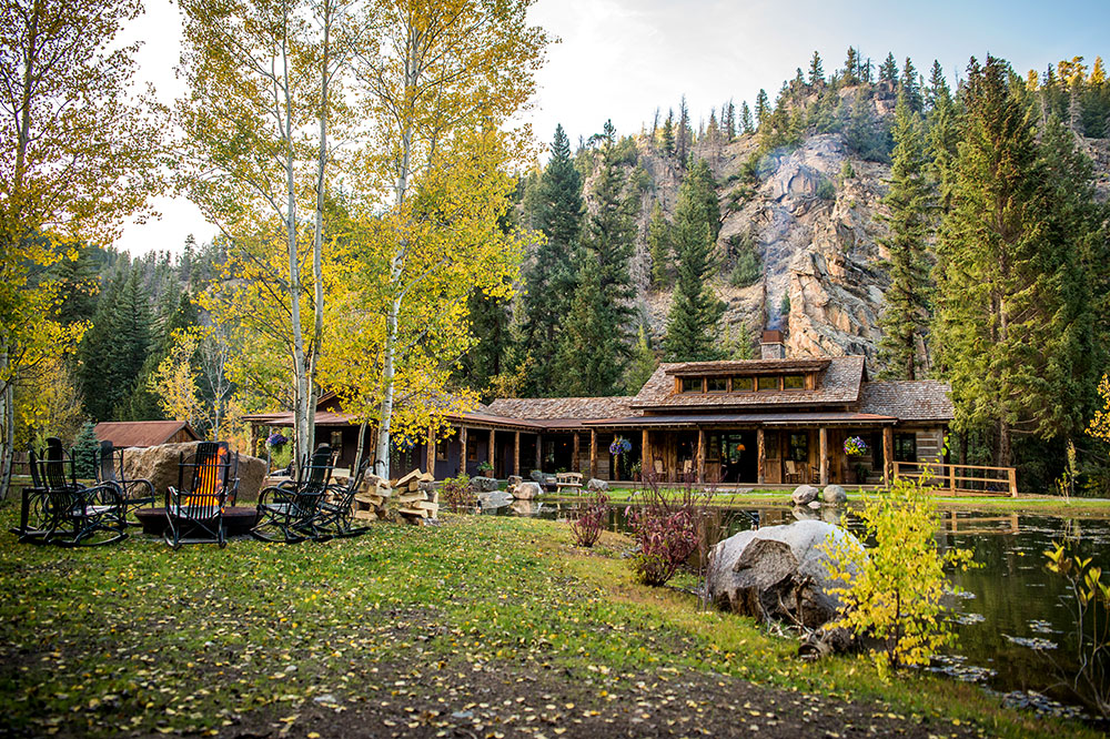 Taylor River Lodge near Crested Butte, Colorado