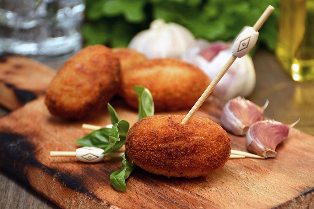 Croquettas stuffed with ham