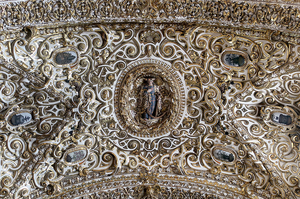 Detail of the ceiling at Capilla del Rosario