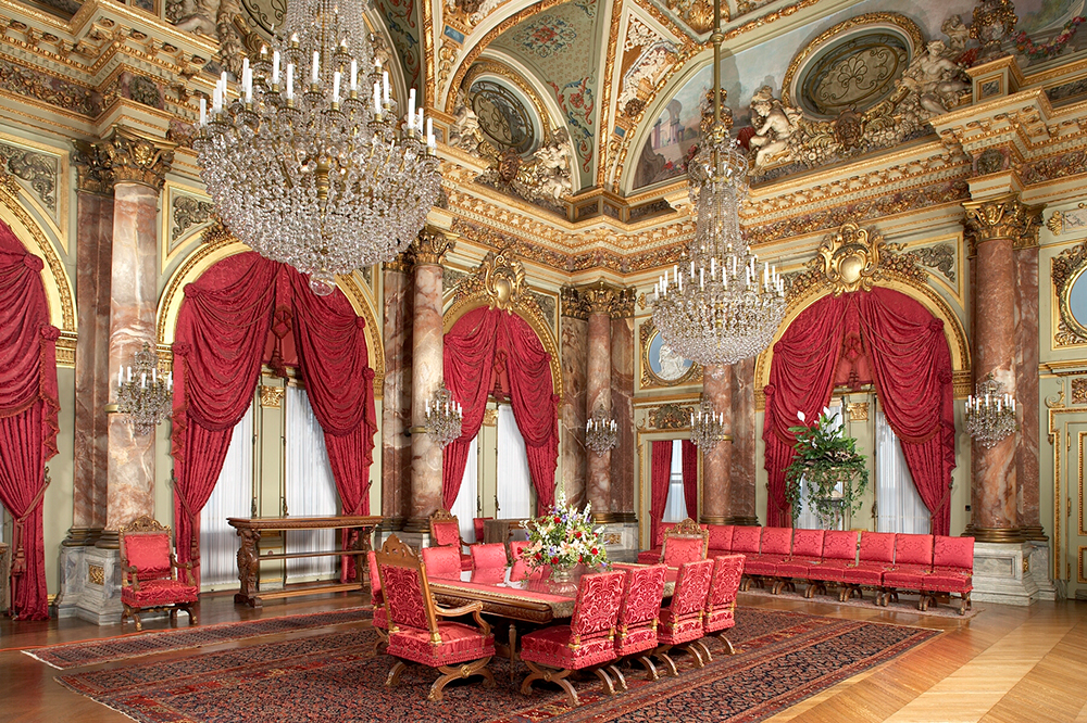 The dining room at the Breakers