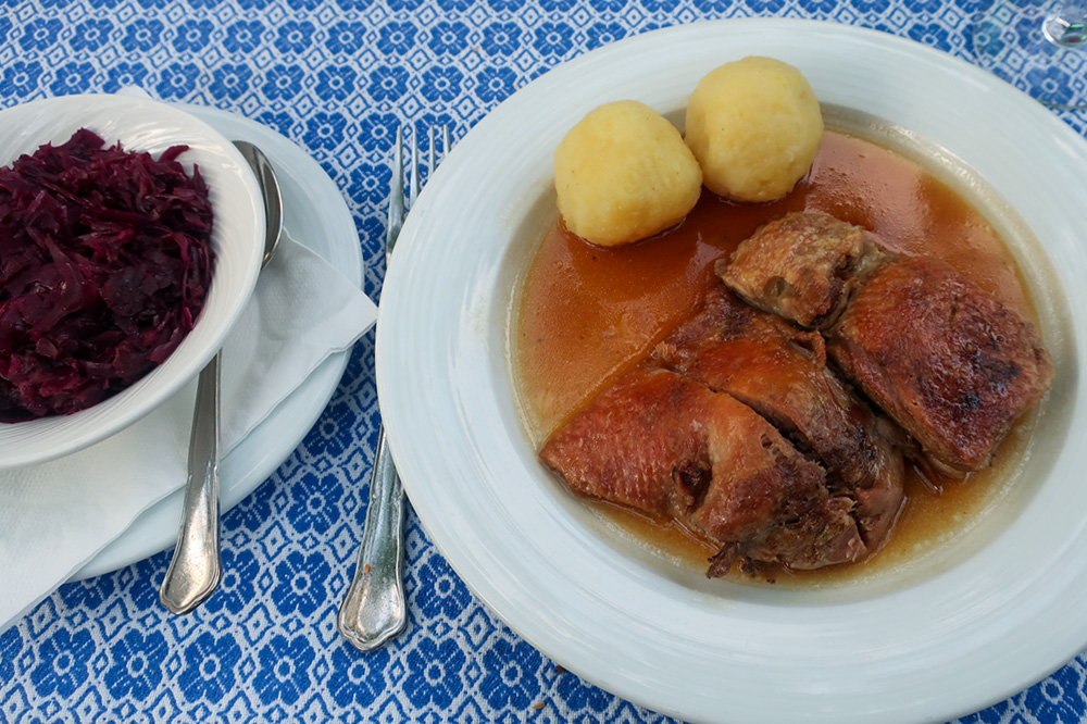 Duck with Waldviertler dumplings and red cabbage at Loibnerhof