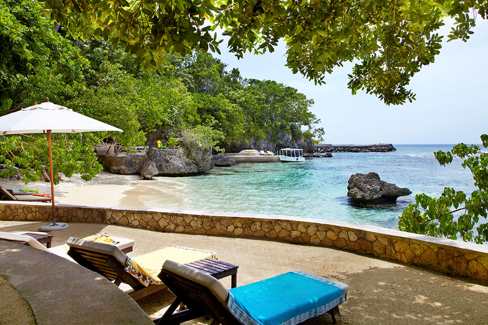 The private beach of the Fleming Villa at GoldenEye