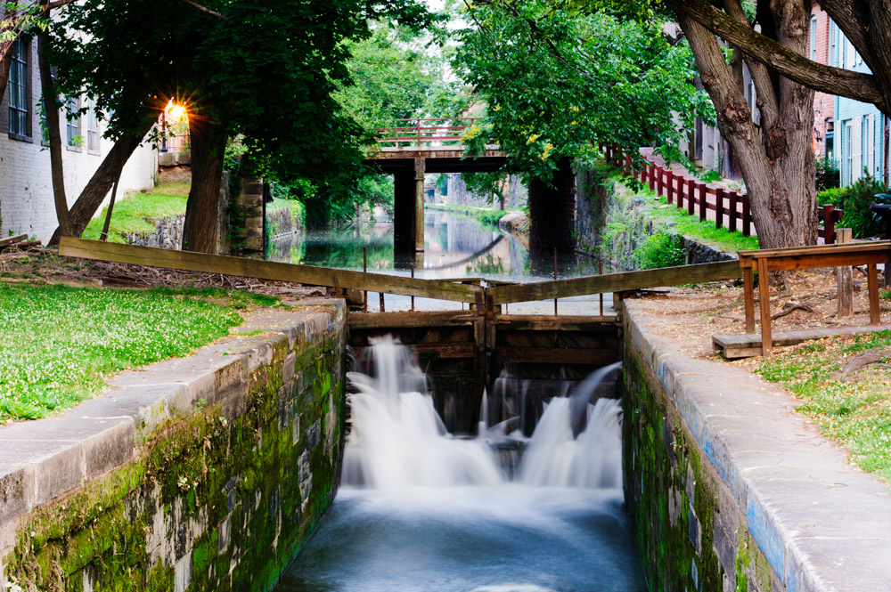 Part of the C&O Canal as it passes through Georgetown under 31st Street NW.