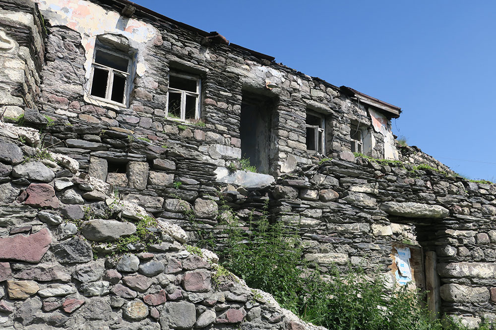 An old stone house in the village of Gergeti on our hike to Gergeti Trinity Church