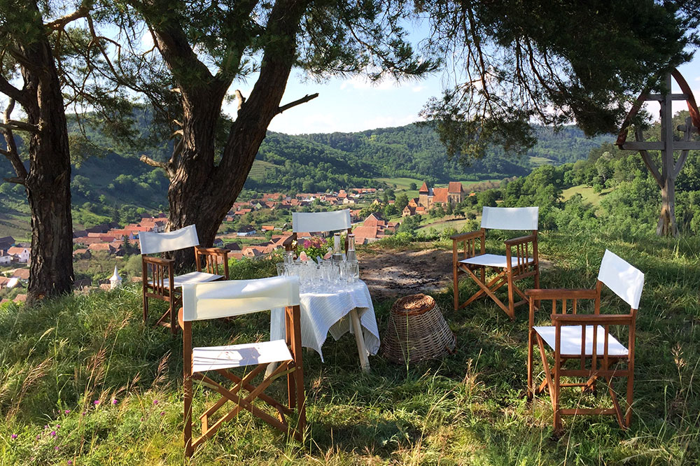 Happy hour at Copsamare Guesthouses