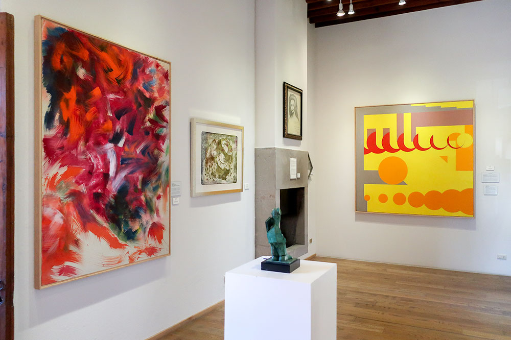 """Untitled S-108"" (left) and ""About"" (far right) by Hassel Smith Galería Nudo"