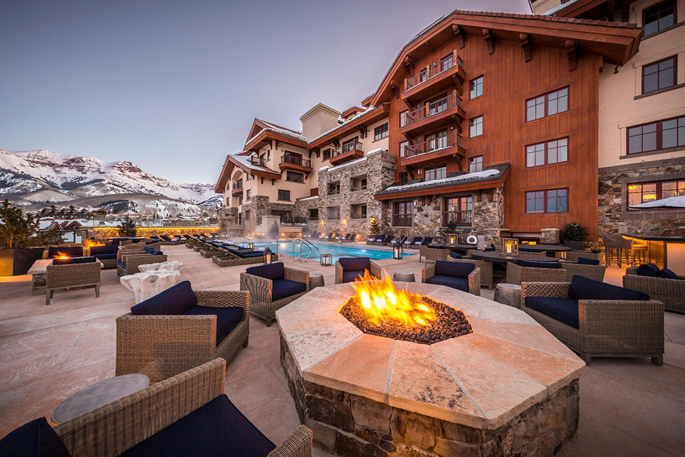 Madeline Hotel & Residences's fire pit at Telluride Ski Resort