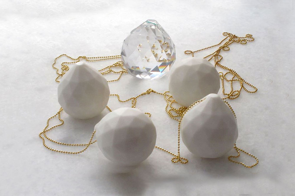 Porcelain jewelry at Yria Studio