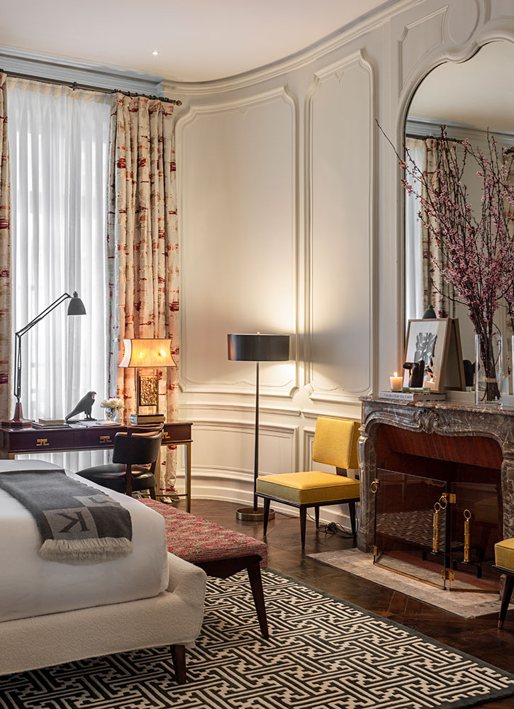 A J.K. Master Suite King at J.K. Place Rive Gauche