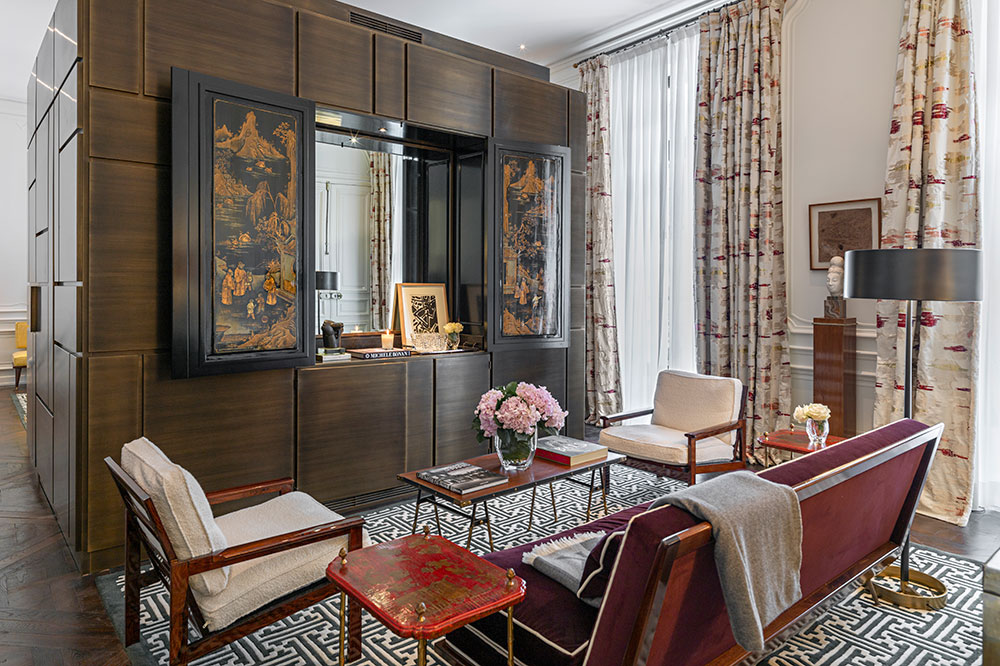 The J.K. Junior Suite living room at J.K. Place Rive Gauche