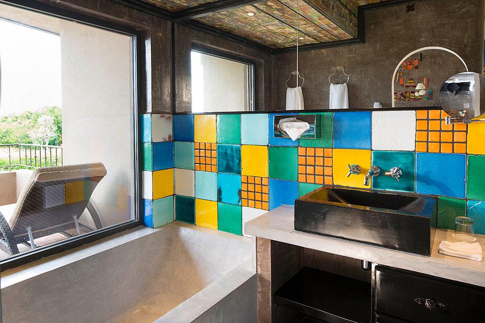 The bath of a Junior Suite at U Capu Biancu