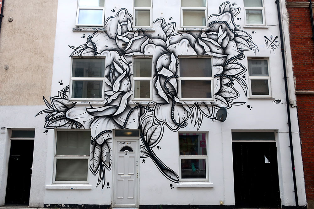 A mural on Turville Street
