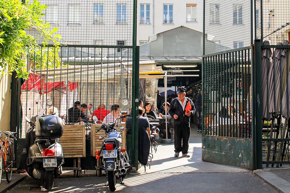 An entrance to Marché des Enfants Rouges