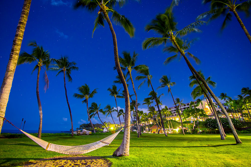 View of the sky from the beachfront lawn at Mauna Kea Beach Hotel