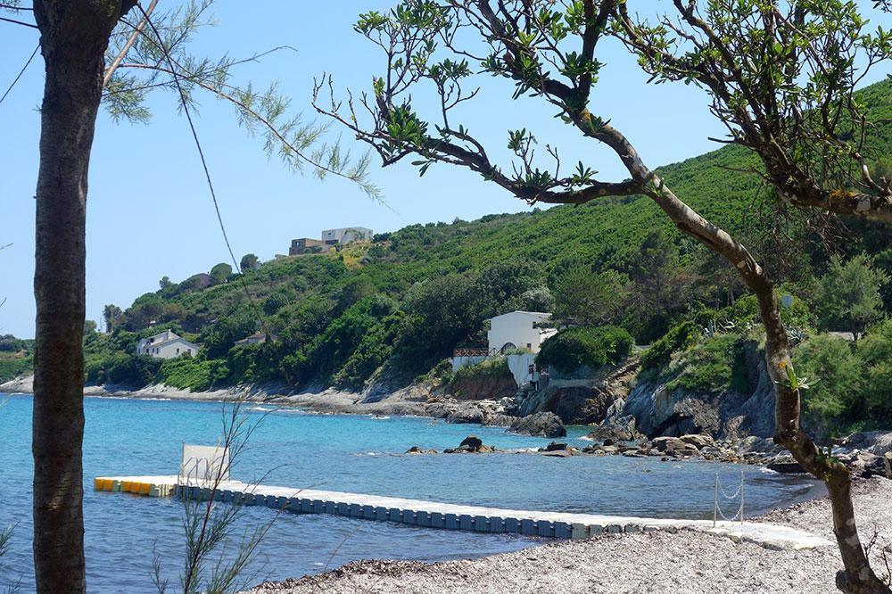 The beach at Misincu