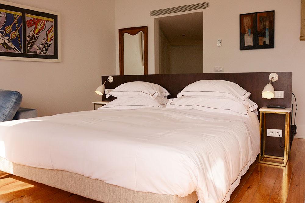 Our junior suite at Santiago de Alfama