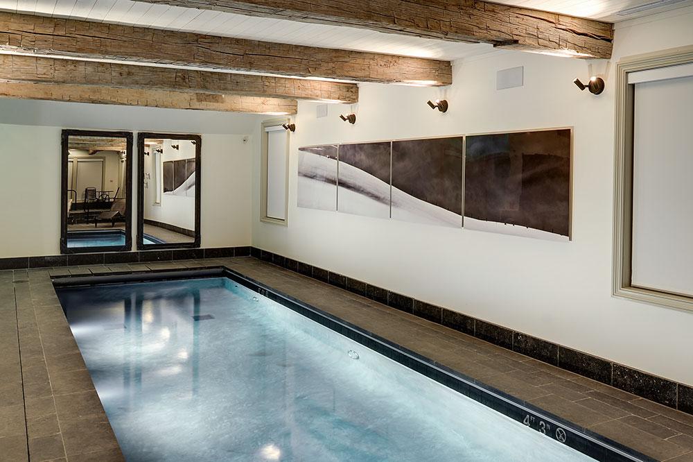 The indoor pool at Scarp Ridge Lodge