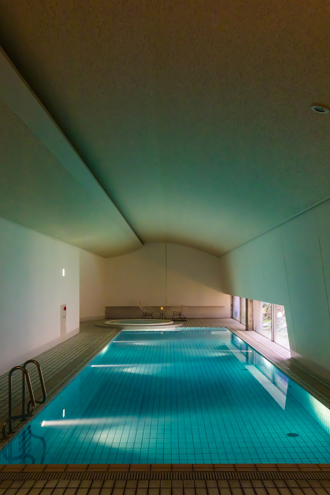 The indoor pool at Setouchi Aonagi