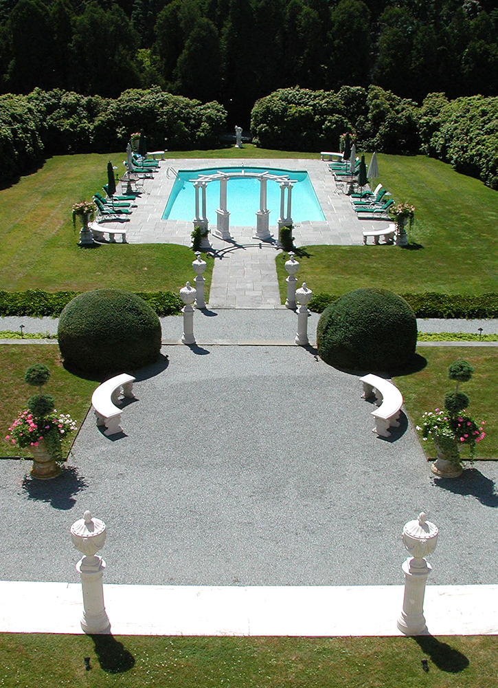 The sunken garden at The National Museum of American Illustration