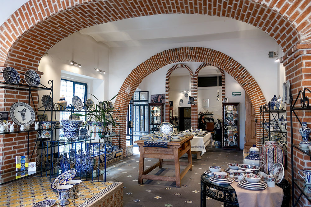 The showroom at Uriarte Talavera