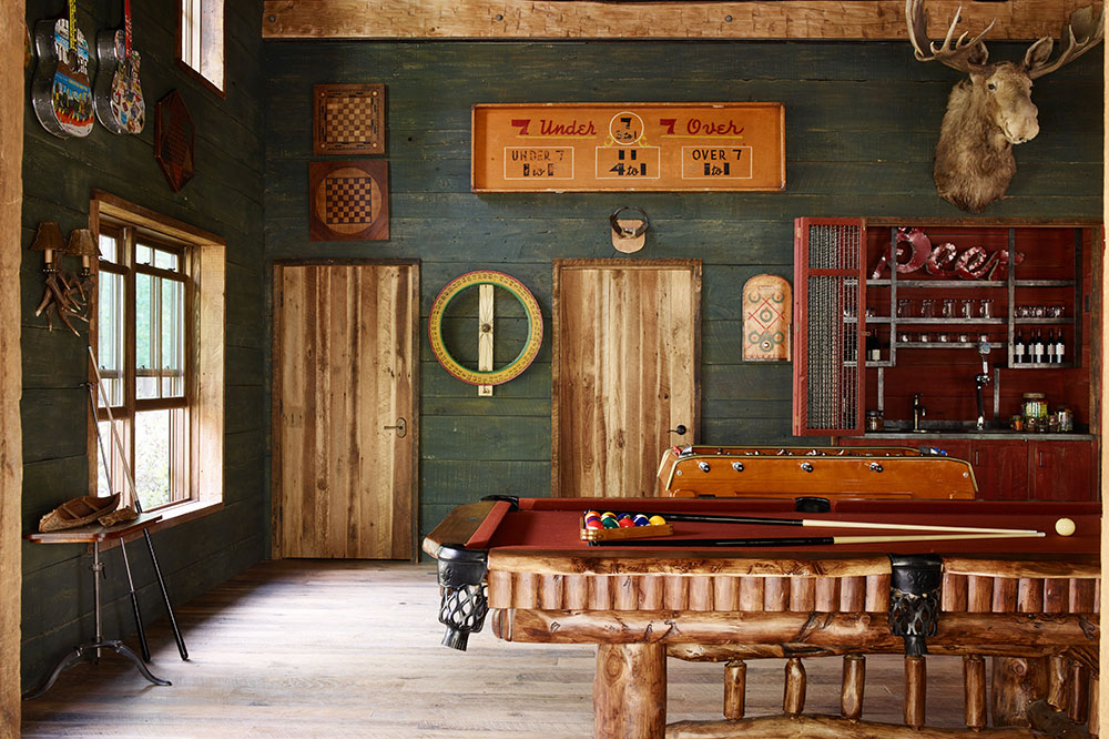 The games room at Taylor River Lodge