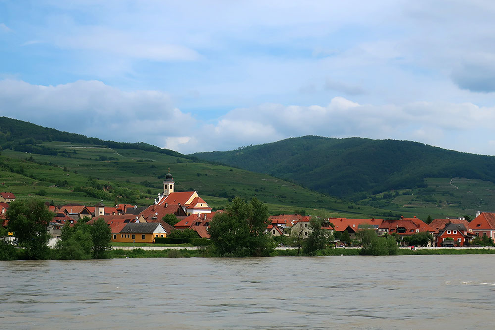 A town on the edge of the Wachau Valley