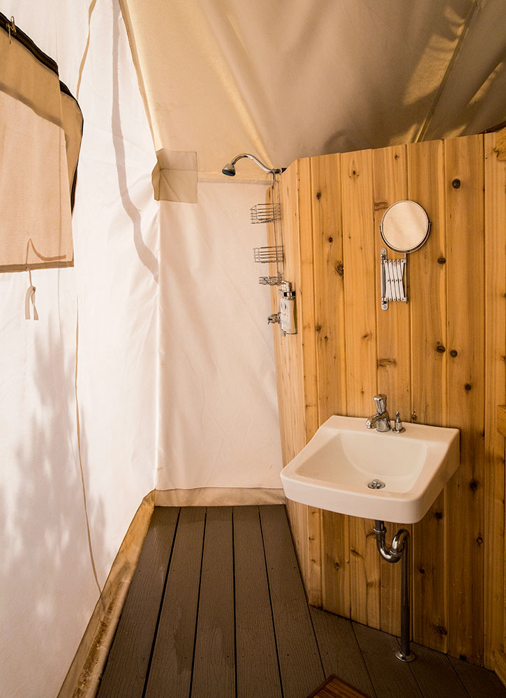 The bath of our tented Suite at Under Canvas Zion