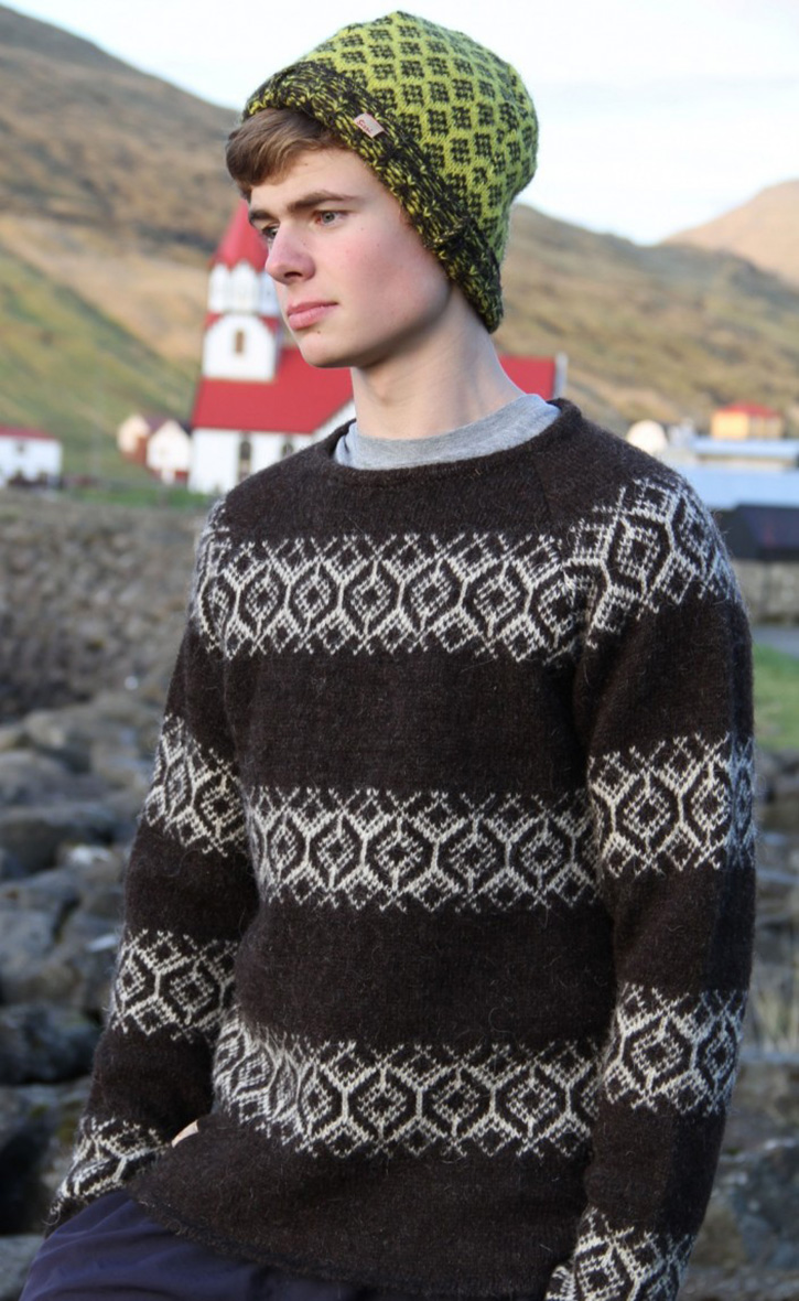 Wool sweater at Sirri
