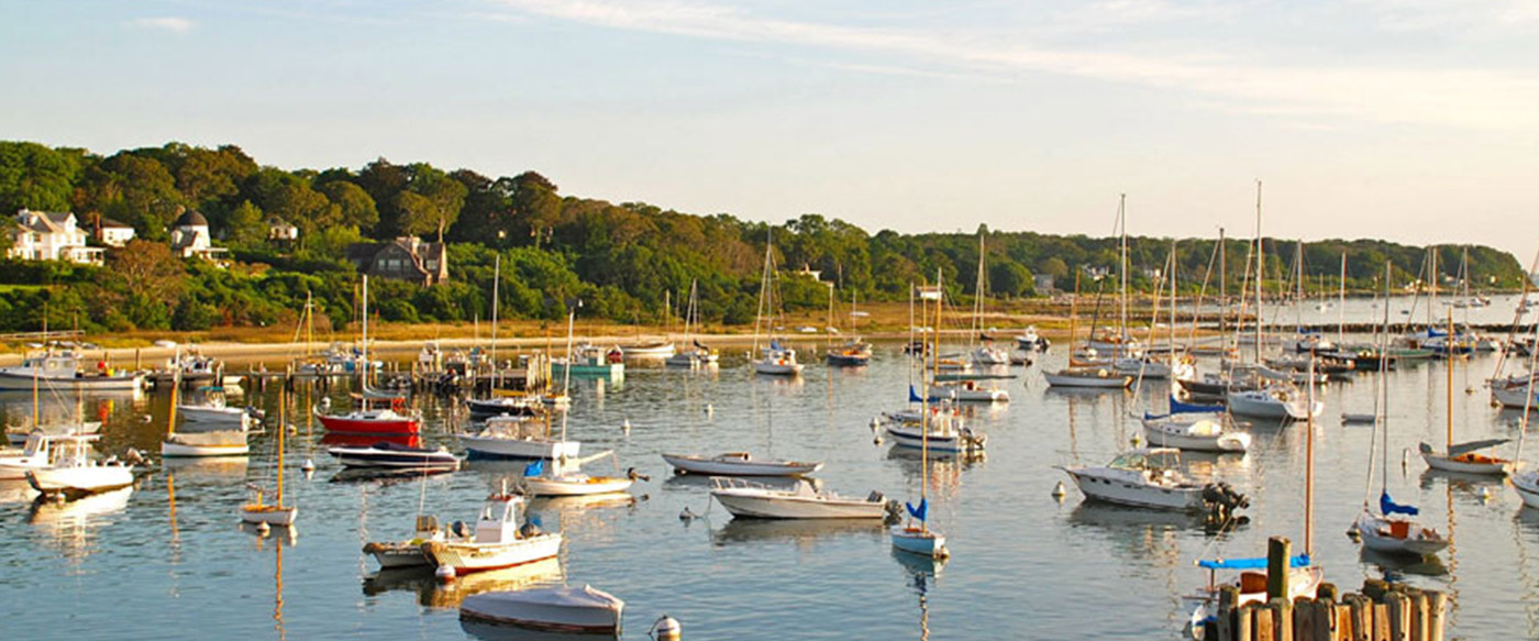 marthas vineyard Martha's vineyard ferries run seasonally may through october, from hyannis we are the only mid-cape departure point to martha's vineyard.