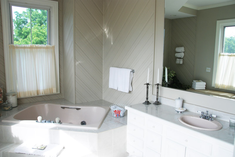 Our bath at Mount Merino Manor