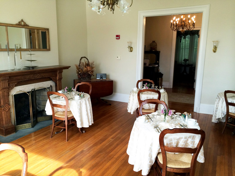 Dining room at Mount Merino Manor