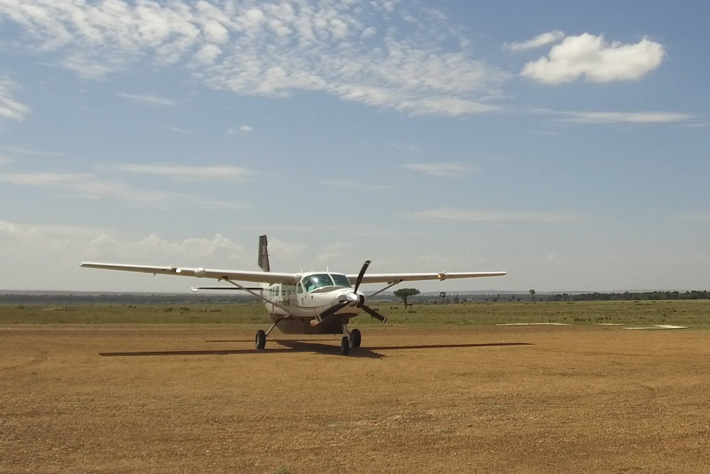 Bush flight into the Maasai Mara - Scott Dubois