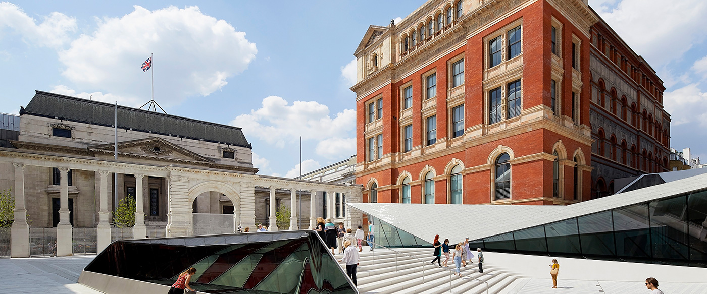 Porcelain courtyard victoria and albert museum andrew for Cubic hotel london