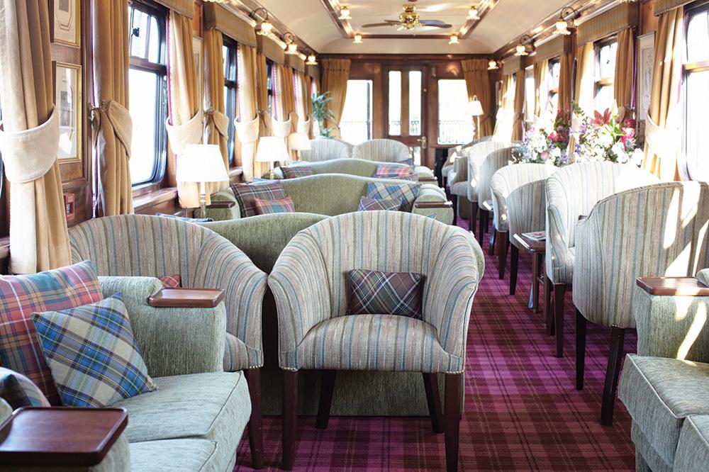 The interior of the bar car aboard Belmond's <em>Royal Scotsman</em>