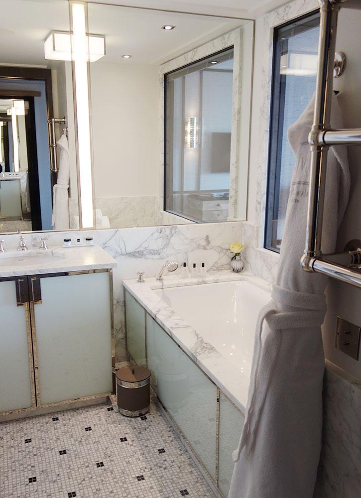 The bath of our room at Villa Maïa
