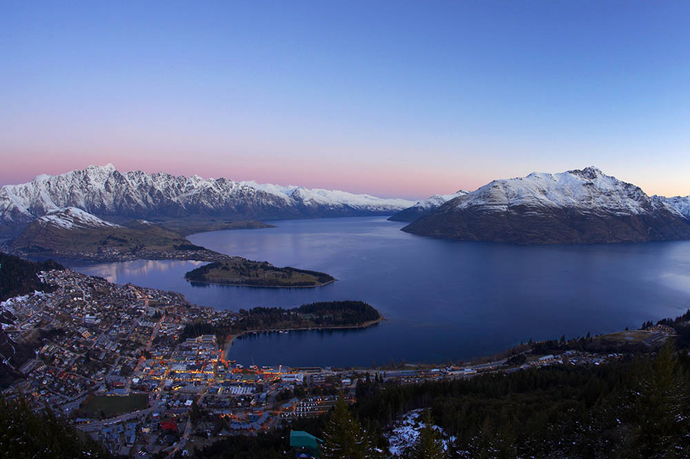 Surrounded by lakes, forests and mountains, Queenstown offers outdoor adventure for all interests. The Remarkables mountain range and many of the surrounding areas were used as locations for The Hobbit and The Lord of the Rings films.