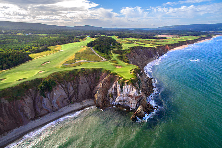 15 Best Waterfront Golf Courses in the World