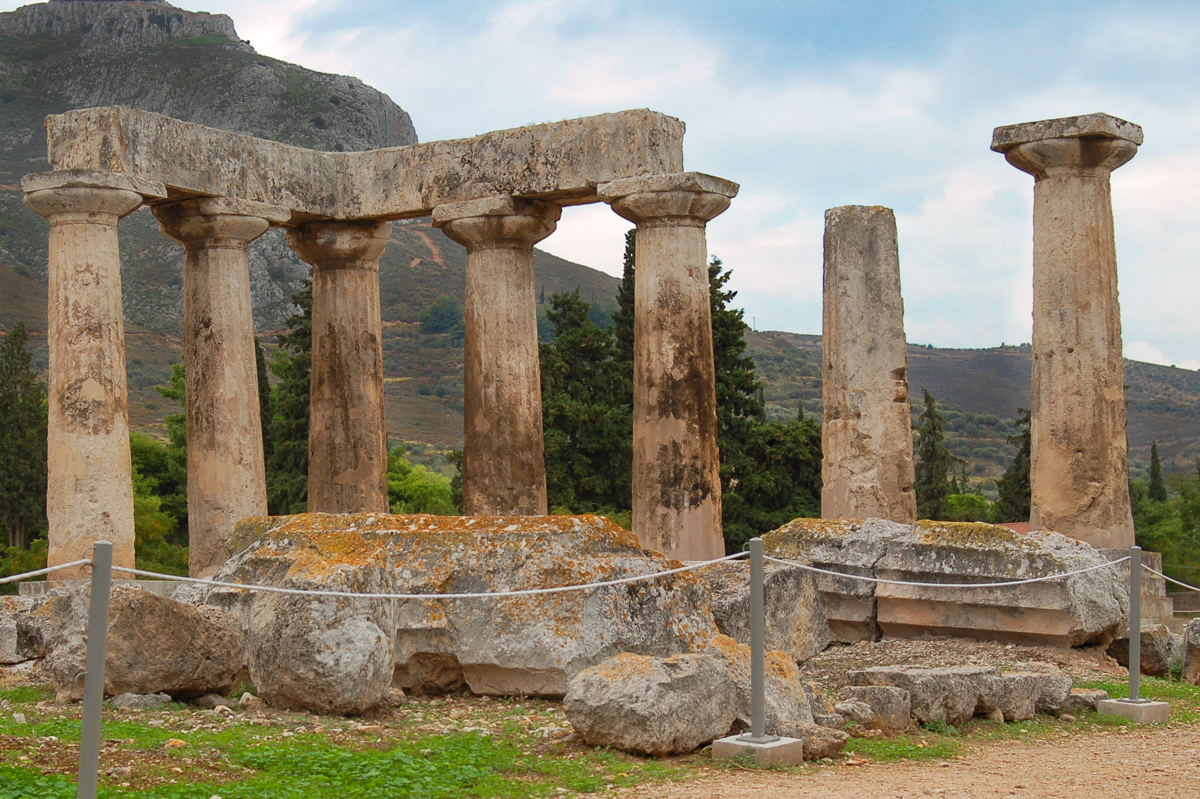 The Temple of Apollo at Corinth - Flickr/cantaloupe99