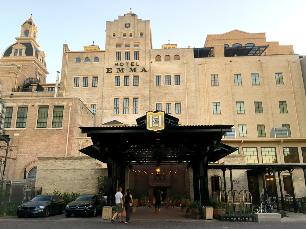 The facade of Hotel Emma