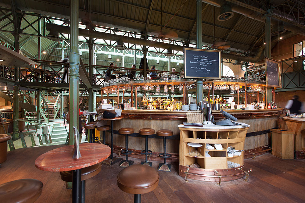 The bar area at <em>Pakhuis</em>