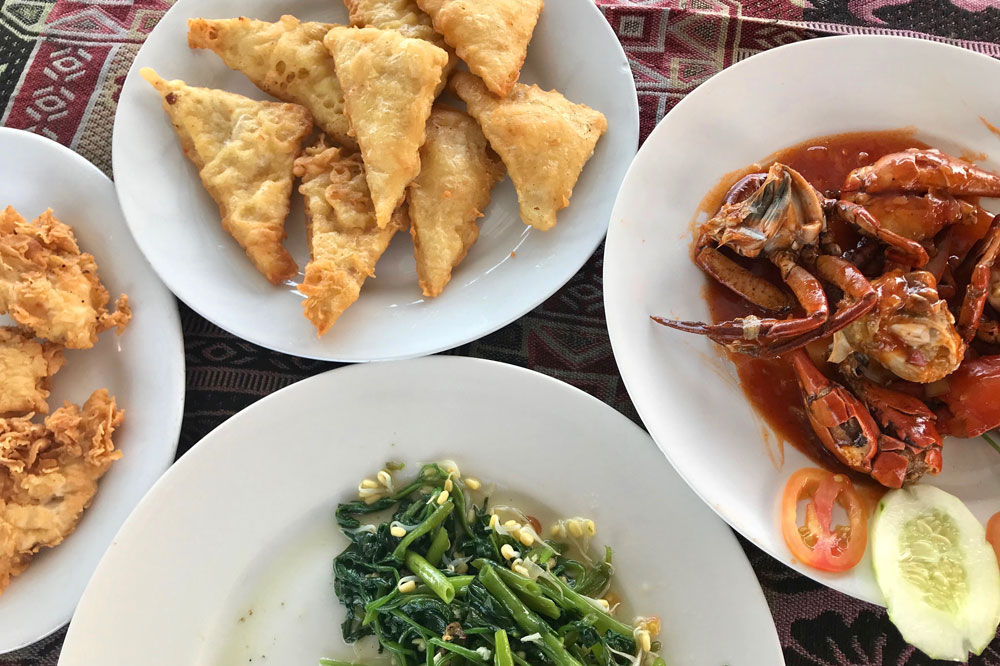 Our seafood lunch en route to Rimba Ecolodge