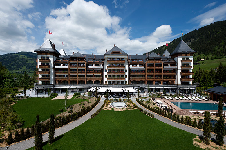 Luxury Foreign Travel: The Alpina Gstaad, Switzerland