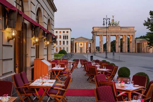 History of hotel adlon in berlin germany for Designer hotel berlin