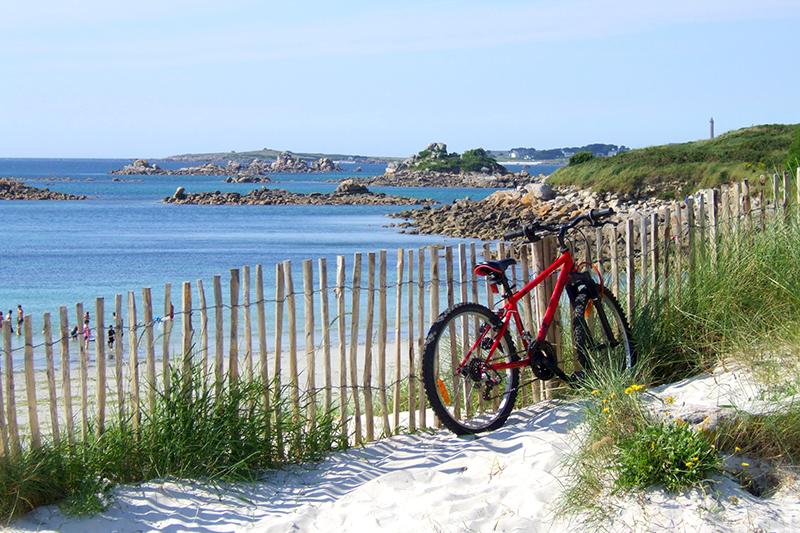 Quiet beach near Le Brittany in Roscoff