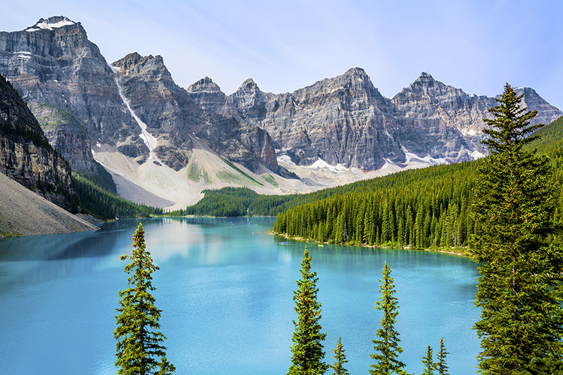 Moraine Lake, Banff National Park - © photoquest7/iStock/Thinkstock