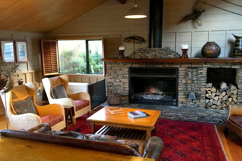 Living room in main lodge building at Poronui