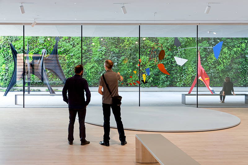 <em>Alexander Calder: Motion Lab</em> and living garden wall at SFMOMA - © Iwan Baan / Courtesy SFMOMA