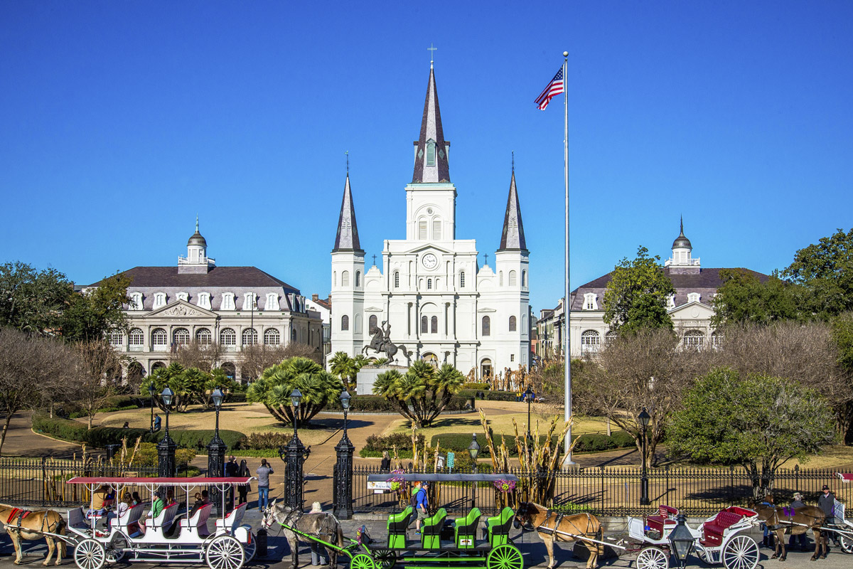 New orleans travel guide where to stay what to do for Things to see new orleans