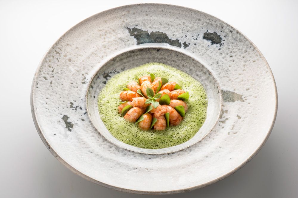 Crayfish minestrone in an aromatic broth of basil at <em>Divellec</em>