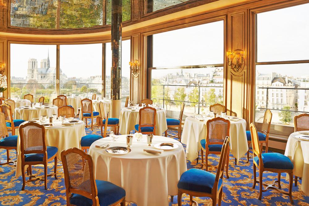 The dining room at <em>Tour d'Argent</em>